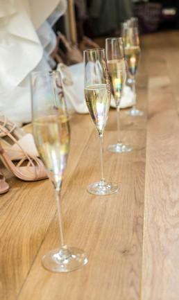 millbridge-court-wedding-venue-surrey-bridal-room-champagne